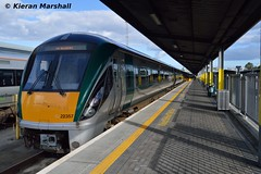 22057 at Heuston, 7/10/15 (hurricanemk1c) Tags: dublin irish train rail railway trains railways irishrail rok rotem heuston 2015 icr iarnród 22000 22057 éireann iarnródéireann 3pce 1535heustongalway