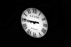 Clock (_samush) Tags: blackandwhite blancoynegro contrast canon monochromatic hora contraste reloj tele agujas 760d