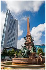 Augustusplatz Uniriese (Weisheitszahn, MDR-Tower) und Mendebrunnen (foerster_christoph) Tags: leipzig sachsen stadt leben weltstadt diewelt uniriese schn weisheitszahn speckshof mendebrunnen