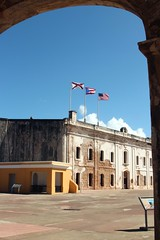 Catillo de San Cristobal (Prayitno / Thank you for (12 millions +) view) Tags: old blue sky castle puerto town site san arch juan fort arc sunny landmark historic rico pr cristobal castillo sju benteng konomark