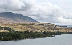 IMG_3393 (kz1000ps) Tags: tour2016 clouds oregon washingtonstate columbiariver border windypoint windyflats windfarm windmill windturbine cliffs canyon cascaderange