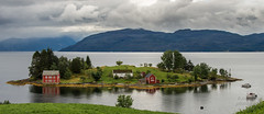 Norwegen_Norge (b.stanni) Tags: natur nature norge norwegen wasser water wandern wolken berge outdoor urlaub ufer idylle licht light ocean panorama see sommer summer fjord himmel hiking landschaft landscape lake lakeside clouds berg mountains mount meer m