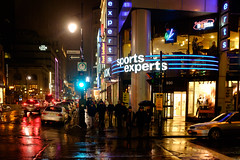 930 St Catherine St W (Bill Binns) Tags: 930 basha downtown montreal night project sportsexperts stcatherine west