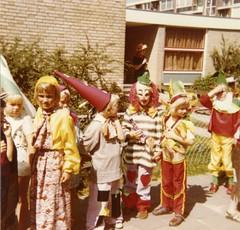 Renkum Feest kleuterschool Bergerhof 1973 Foto Collectie Fien Bos (Historisch Genootschap Redichem) Tags: renkum feest kleuterschool bergerhof 1973 foto collectie fien bos