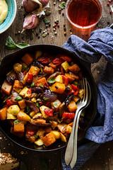 IMG_3794_exp-3 (Helena / Rico sin Azcar) Tags: pump squash verduras food pisto revuelto basil albahaca asparagus esprragos manzana apple cebolla onion vegetables skillet butternut