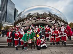 DSC_0973 (critter) Tags: santacon2016 santacon santa bean cloudgate millenniumpark christmas pubcrawl caroling chicago chicagosantacon artinstituteofchicago