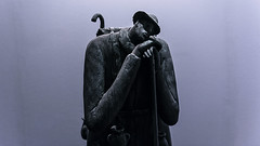 I Can Wait Without Waiting (gus) Tags: nikond750 240700mm 28 1100 sergiozanni scultura statua sculpture statue terracotta ilriposodelviandante therestofthewanderer