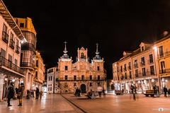 Astorga_02 (keudell) Tags: roja astorga león españa ciudades gaudí