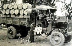 """#Truck of the """"big"""" hydraulic mosaic factory (gran fbrica de mosaicos hidrulicos), the owner is the lady there named """"Adela Gargollo"""", Costa Rica 1930's [623x395] #history #retro #vintage #dh #HistoryPorn http://ift.tt/2gK5Sh9 (Histolines) Tags: histolines history timeline retro vinatage truck big hydraulic mosaic factory gran fbrica de mosaicos hidrulicos owner is lady there named adelagargollo costa rica 1930s 623x395 vintage dh historyporn httpifttt2gk5sh9"""