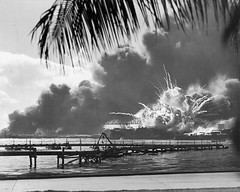 #Forward magazine of the USS Shaw explodes during the Japanese Pearl Harbor attack December 7 1941 [1,500  1,200] Hawaii #history #retro #vintage #dh #HistoryPorn http://ift.tt/2h4ajnq (Histolines) Tags: histolines history timeline retro vinatage forward magazine uss shaw explodes during japanese pearl harbor attack december 7 1941 1 500  200 hawaii vintage dh historyporn httpifttt2h4ajnq
