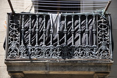Barcelona (La Barceloneta). Balcony balustrade decorated with the staff of Hermes (caduceus), an allegory of trade. First half of 19th C. (Catalan Art & Architecture Gallery (Josep Bracons)) Tags: barcelona art iron gallery commerce arte mercury balcony kunst catalonia barceloneta catalunya allegory trade hermes balcon cataluña catalan fer balustrade caduceus comercio mercure ferro catala 1837 hierro mercurio katalonien josep catalogne allegorie barana mercuri alegoria balco caduceu comerç caduceo bracons caducee