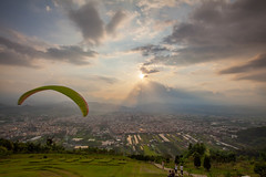 _MG_7491 () Tags: city blue light sunset sky clouds photography foggy taiwan rays paragliding dslr  paraglider      seaofclouds      formosan       nightfog      canon5d2