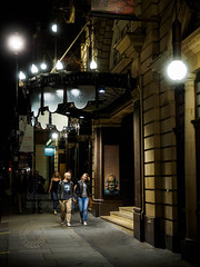 London Coliseum; Theatre Walkby (Edmond Terakopian) Tags: london night theatre streetphotography dailylife theatreland barberofseville londoncoliseum