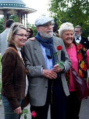 Barbara Wilshere, David Burke & Sally Thomas, with roses for Jeremy (photo by Jean Upton)