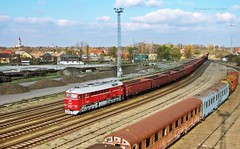 628 001 H-START (M62 001 MV) (...sneken a vonat) Tags: 161115 628 628001 628001start bahn szentes cukorrpa cukorrpaszezon2016 eisebahn line130 luganszk m62 m62001 mav mozdony mv rail railway szergej tehervonat train tren trenur trenuri vaggonstypeeas vast vlacik vlak vlaky vonat zeleznice locationszentes 001 uresrepa2016 uresrepa railroad szentesstation