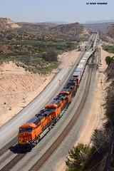 8348 BNSF ( GE ES44DC ) (vsoe) Tags: california railroad usa america gm eisenbahn railway unionpacific amerika bahn bnsf kalifornien freighttrain zge gterzug emd cajonpass gterzugstrecke
