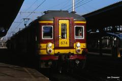 Brussel - Bruxelles (Jan Dreesen) Tags: trein train railway bahn sncb nmbs station schaarbeek schaerbeek gare klassiek motorstel am classique
