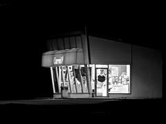 Carvel (daropo67too) Tags: night icecream carvel