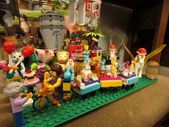 Day 22 Lego Gold Winged Pegasus (annrushworth) Tags: dogs animals train silver gold star snowman wolf advent pegasus calender wars dalek rabbits hamsters legome schleich minifigures minecraft legoem