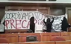 I precari occupano l'aula consigliare della città metropolitana (Milano24ore) Tags: milano precari