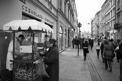 Krakow Pretzel (Krusczyki) Stand (Joseph Mac'Q) Tags: old bw town krakow pretzel oldsquare krusczyki