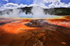 Is that on Earth ? (Matthieu Parmentier) Tags: usa wyoming yellowstone grandprismatic spring pool colors yellowstonenationalpark nikon d800 1635 heliopancpl