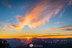 Dive Govett s Leap Sunrise.jpg (Gary Hayes) Tags: australia sunsrisesunset grosevalley landscape cloudscapes newsouthwales bluemountains