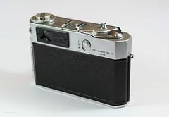 Aires Viscount M2.8 on Display (04) (Hans Kerensky) Tags: aires viscount m28 display japanese 35mm rangefinder camera lens q coral 128 45cm