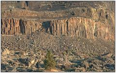 Basalt and Granite (Fogle Images) Tags: steamboatrock grandrondebasalt tertiary columnar cenozoicgranite channeledscablands fall landscape steamboatrocksp bankslake washington
