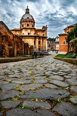 "On the way to the Roman Forum • <a style=""font-size:0.8em;"" href=""http://www.flickr.com/photos/89679026@N00/30543899610/"" target=""_blank"">View on Flickr</a>"