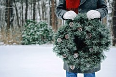 merry (Susan Licht) Tags: outinthesnow wreath mittens snowflakes woods christmas decorating holidayspirit redscarf