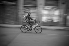 Alfredo Ayuso (A.Ayuso) Tags: bwstreetphotography blanconegro calle callejeros candid candidphoto domingo espaa madrid nikon noiretblanc rue streetphotography streetshoot schwarzweiss spain strasse strae street urbana