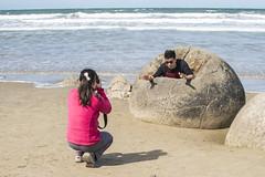 Beware! (Ian@NZFlickr) Tags: moeraki boulder otago nz