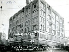 New World Life, Seattle, 1937 (Rob Ketcherside) Tags: streetclock seattle 1937 greatdepression