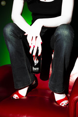 Burn reklam ekimi (maximumgore) Tags: green art shop photoshop canon advertising photography photo model energy drink box supermodel burn add gb adv photooftheday yeil photomodel bestoftheday gnneniyisi