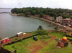 Vijaydurg Fort (Mandar M Joshi) Tags: view fort seaface insidewall vijaydurg vijaydurgfort