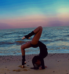 Contortion (lissieisabella) Tags: ocean ballet beach yoga dance dusk gymnast gymnastics pointe contortion bendy flexibility backbend flexible lissieisabella