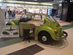 VW Kfer (Retroautok) Tags: green vw shopping volkswagen centre beetle kfer bogr coresi