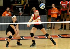 Dig (RPahre) Tags: taylorlebo dig iu indianauniversity indiana illinois ui universityofillinois huffhall huff champaign volleyball robertpahrephotography copyrighted donotusewithoutwrittenpermission
