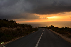 Descente vers Madagh (Ath Salem) Tags: algrie algeria algerian coast littoral golden hour coucher de soleil sunset oran madagh ain temouchent bouzedjar nuages couleurs colors light amazing magnifique wahran mer mditerrane sea mediterranean beach plage       les habibas          elanor hammam bouhadjar  magical