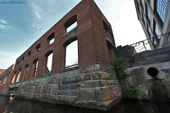 Lowell, Massachusetts (Laura Gonzalez/ PBNPhotography) Tags: water boats boat ship ocean marine ghostship forgottenwaterway canal cals shipyard pump pumphouse distressed abandoned lowell massachusetts