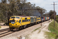 2016-11-08 SSR GM22-442s1-G514-C507 Bell 1845 (deanoj305) Tags: bell newsouthwales australia au ssr southern shorthaul railroad gm22 442s1 g514 c507 main western line blue mountains kelso flyer 1845 intermodal container freight train locomotive streamliner