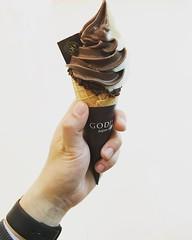 以上就是这一周的instagram,thank you.#godivachocolate #godiva