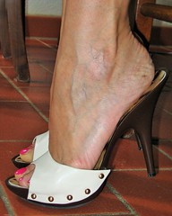 veiny feet in high heel clogs (al_garcia) Tags: feet high shoes toes long sandals hard arches nails clogs heel mules soles smelly cracked toenails anklet toerings veiny bunions calloused