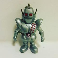 พ่วงกุญแจหุ่นยนต์ จากการ์ตูนโรโบคอน ราคา 80 บาท (ไม่รวมค่าส่ง)  สนใจสินค้าโทรสอบถามรายละเอียดได้ที่ เบอร์ 091-7656695 : ซุ่น Line ID : jp2hand สินค้าใหม่ๆ อัพลงที่ Page ร้านหมดแล้วครับสามารถเข้าดูได้จากลิงค์ด้านล่าง  https://web.facebook.com/jp2hands/phot