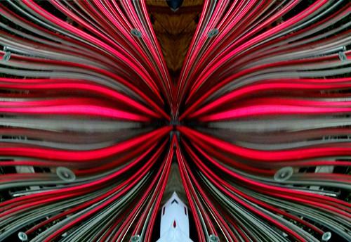 Fuente en Rojo (distorcionada)