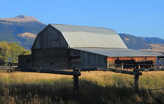 Old Barn, Mormon Row - Grand Tetons National Park, Wyoming (danjdavis) Tags: mormonrow grandtetonsnationalpark nationalpark wyoming barn oldbarn