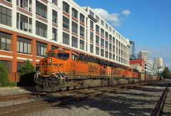 6335 + 6093 + 8559, Seattle, 4 Sept 2016 (Mr Joseph Bloggs) Tags: emdsd70ace gees44ac general electric motors gm emd sd70 sd70ace es44ac ge railway railroad 6335 6093 8559 seattle usa united states bahn freight cargo merci train treno
