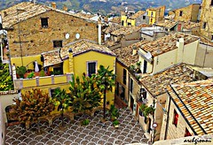 lanciano2 (archgionni) Tags: edifici buildings tetti roofs colori colours case houses finestre windows porte doors giallo yellow alberi trees strada street abruzzi italia italy christiangroup absolutelyperrrfect
