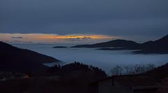 L'heure bleue audessus du brouillard (mrieffly) Tags: vosgesalsace htrhin valléedelathur geishouse merdenuages brouillard leverdesoleil alpessuisses canoneos50d